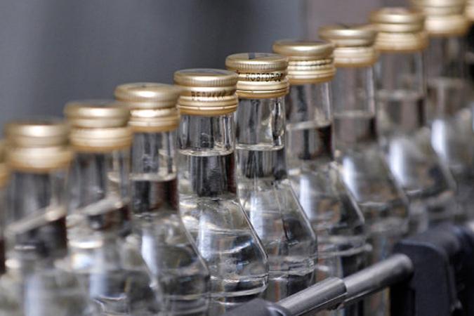 Вижевском магазине покупательница ударила продавца поголове бутылкой водки