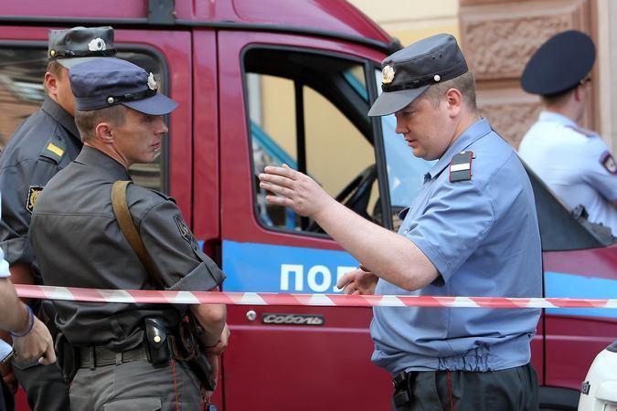 ВКурортном районе Петербурга наркоторговец, скрываясь отправосудия, сбил полицейского