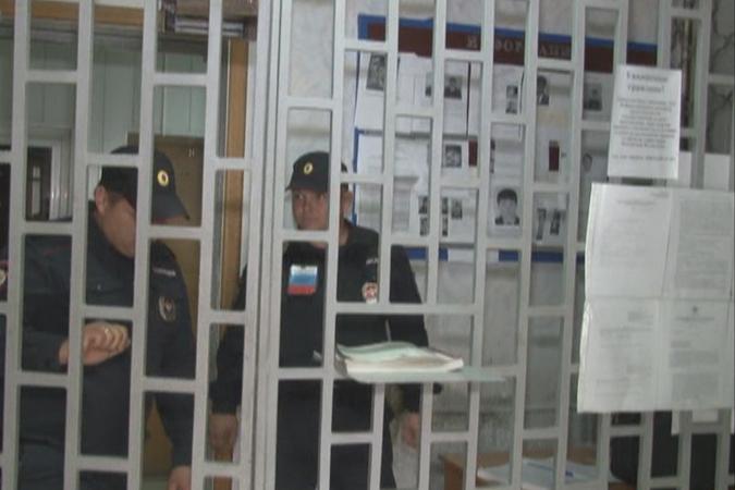 Гражданин Ростовской области схвачен закражу банковских карт изофиса