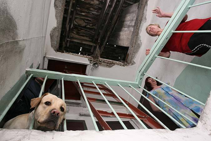 ВолгоградскаяУК выплатит 250 тыс. руб. зазатопленный подвал многоэтажки