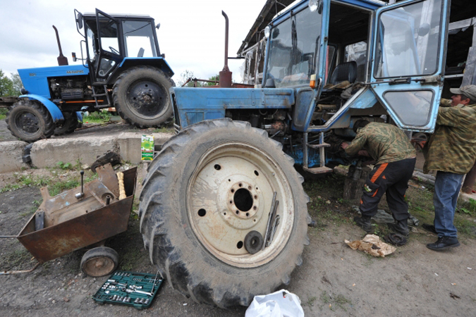 НаКубани инспекторы Гостехнадзора проверят дорожно-строительную исельхозтехнику наналичие техосмотра