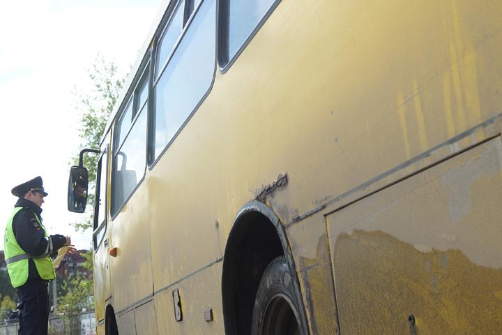 ВВоронеже мужчина скончался после падения вмаршрутном автобусе