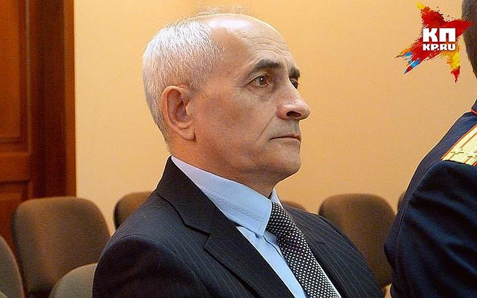 Сумершего вОмске судьи Москаленко сняли обвинения вубийстве Берга