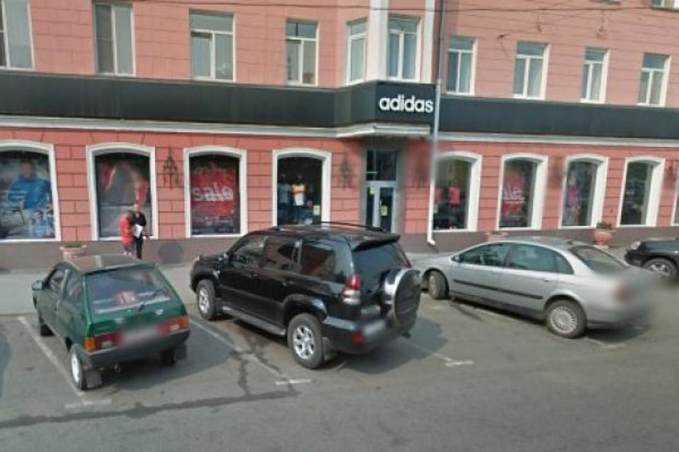 Большинство магазинов Adidas закрылись вБарнауле