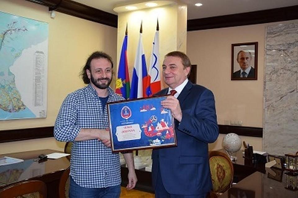 Фигурист Илья Авербух стал посломЧМ пофутболу вСочи