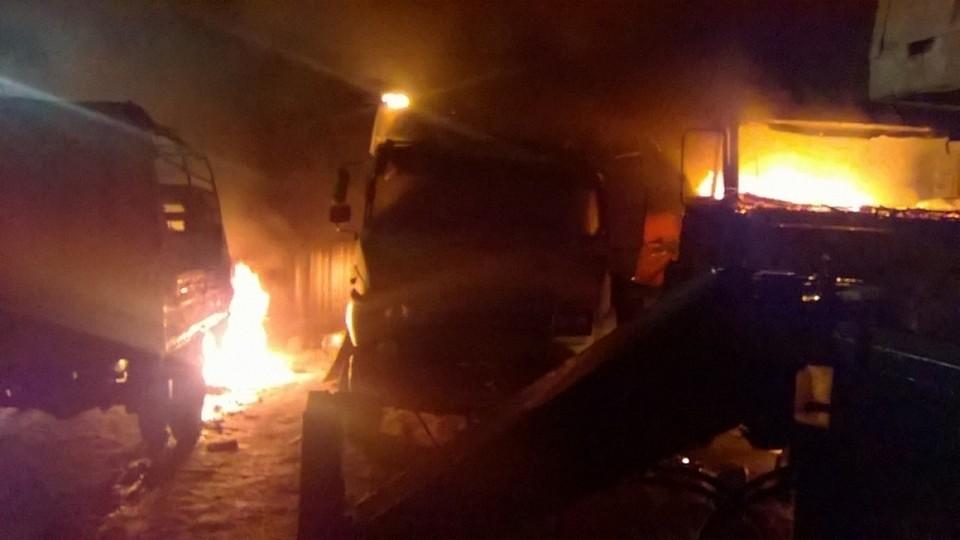 ВПереславском районе в итоге поджога сгорело 4 фургона