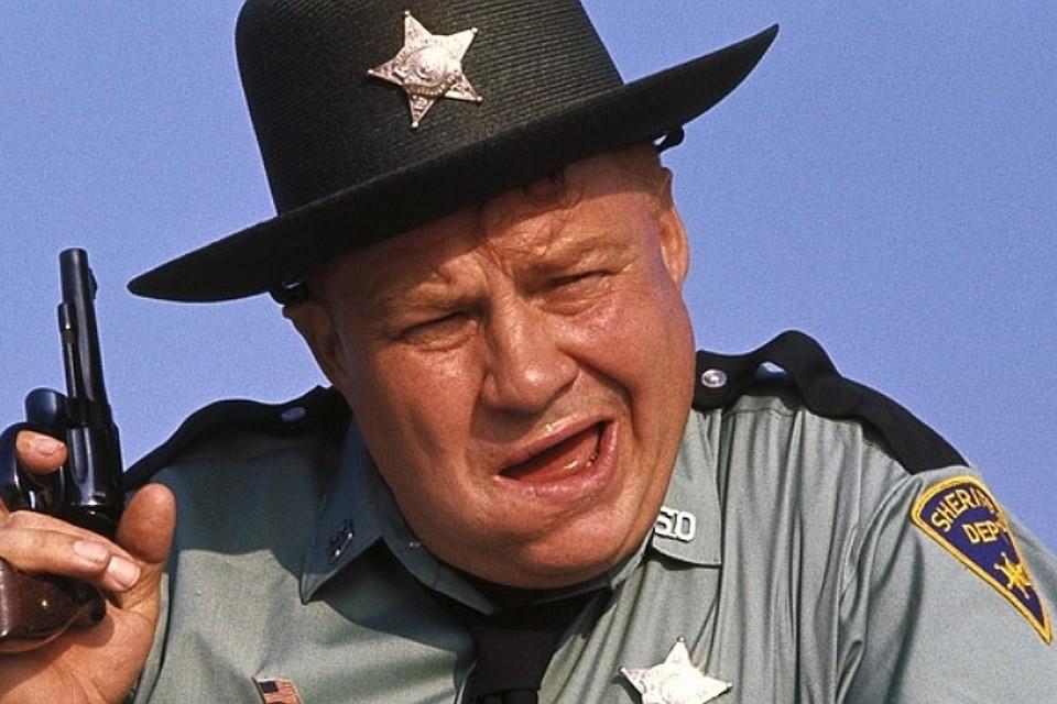 ВСША скончался исполнитель роли шерифа Пеппера вфильмах «бондианы»