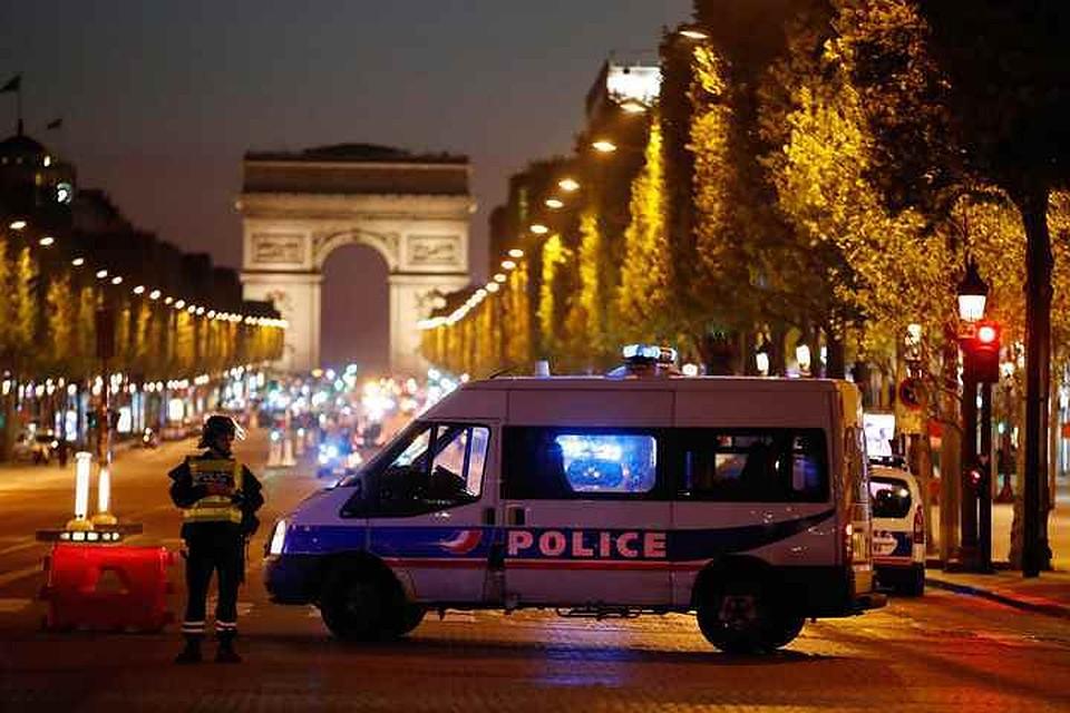Полиция Парижа перекрыла центр города где произошли перестрелки