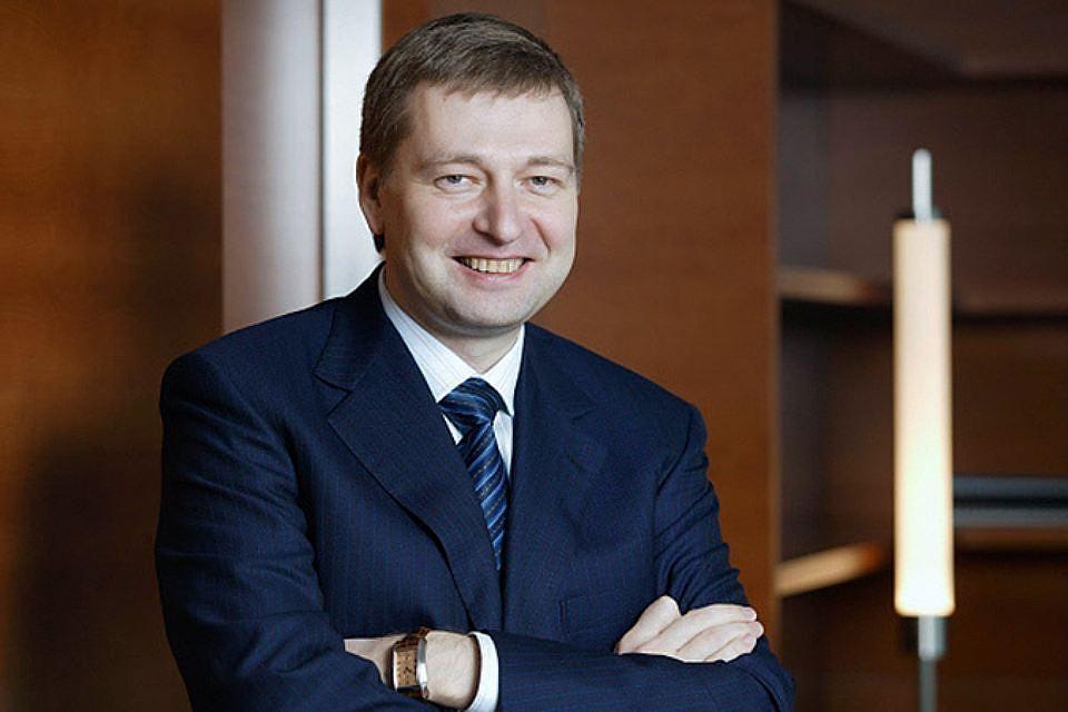 Forbes назвал самых богатых предпринимателей РФ