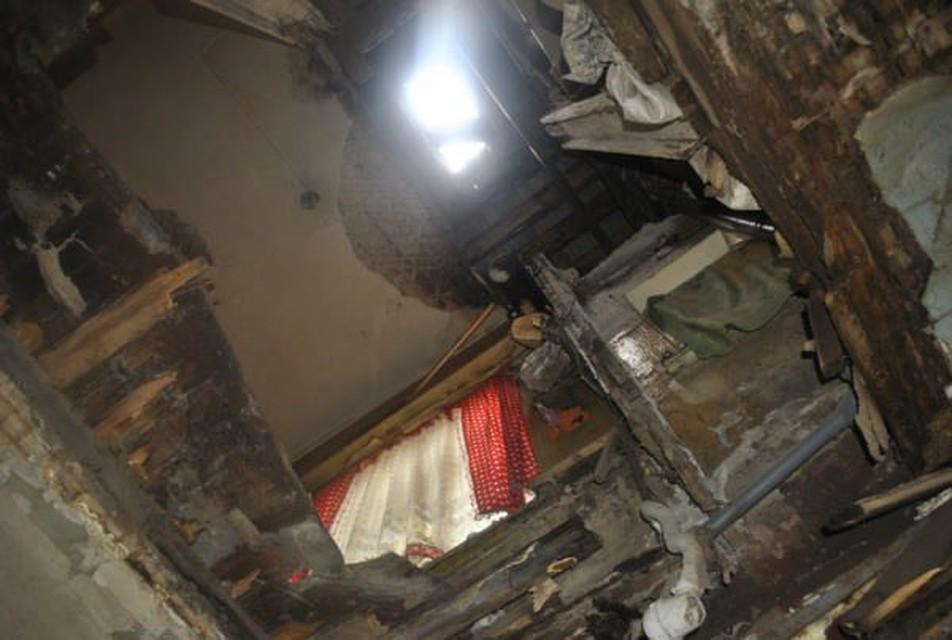 ВКарпинске обрушилось перекрытие жилого дома: ведётся проверка