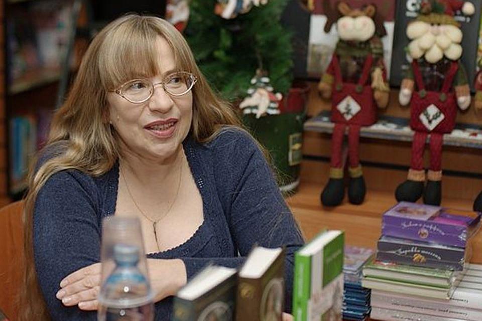 Русская писательница Елена Чудинова увидела во Франции то, на что сами французы давно закрыли глаза.