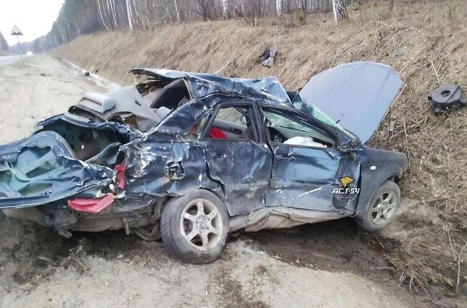 Шофёр  иномарки умер  влобовом столкновении с фургоном
