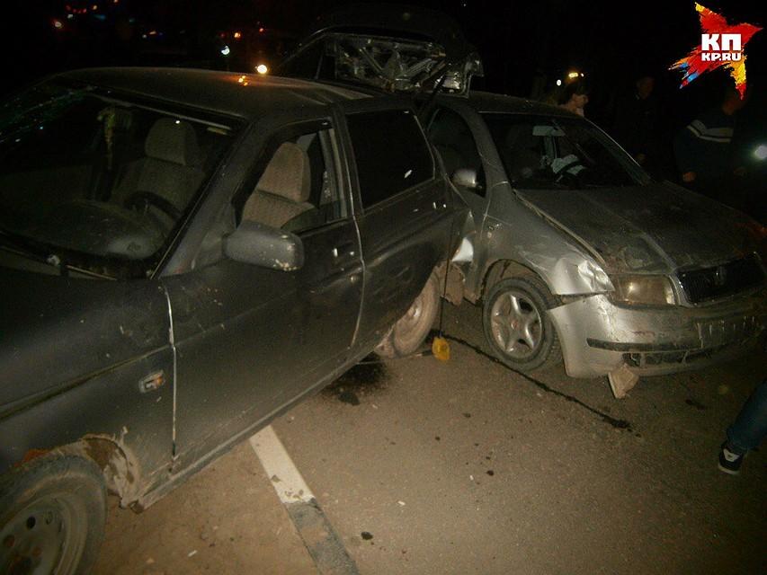 Пьяная жительница Вольска на«Шкоде» протаранила два припаркованных автомобиля