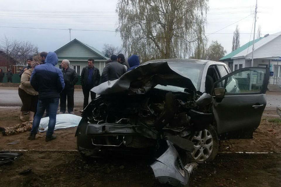 ВБашкирии случилось лобовое столкновение 2-х иномарок, двое погибли