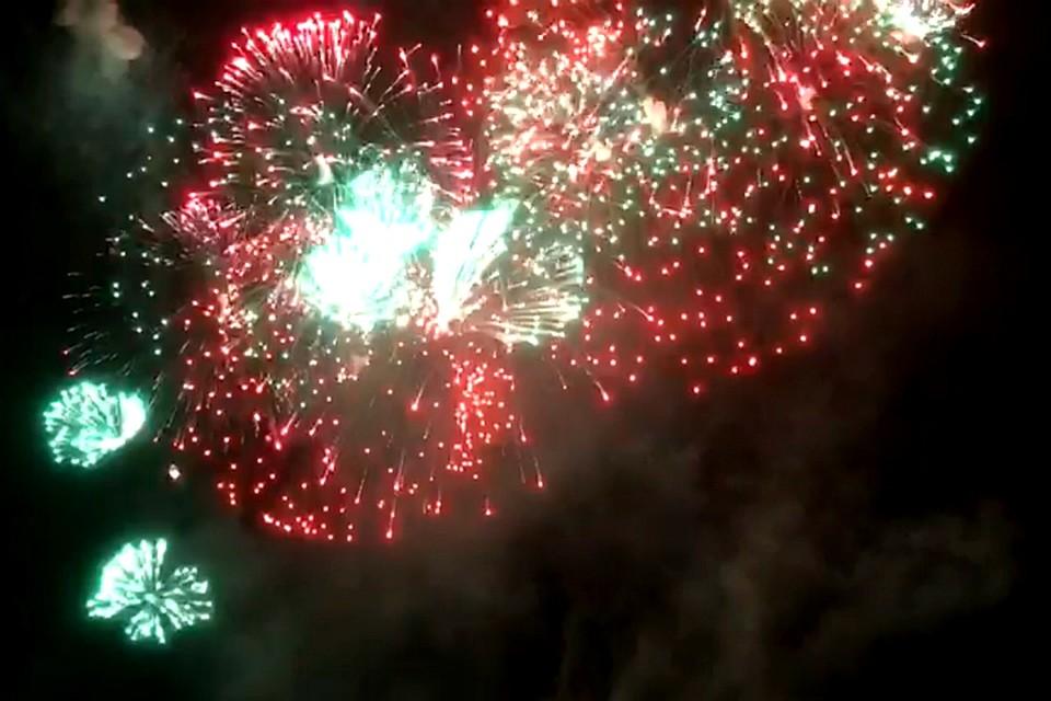 Празднования вчесть Дня победы вХабаровске закончились эффектными салютами