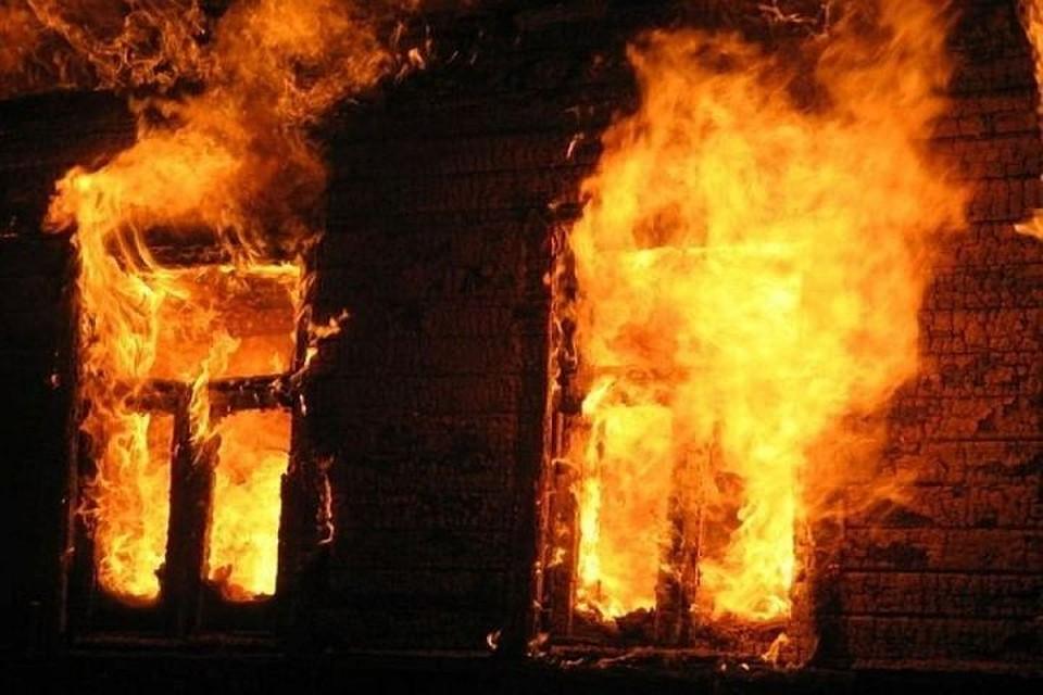 ВТатарстане впожаре вдоме погибла 14-летняя девочка
