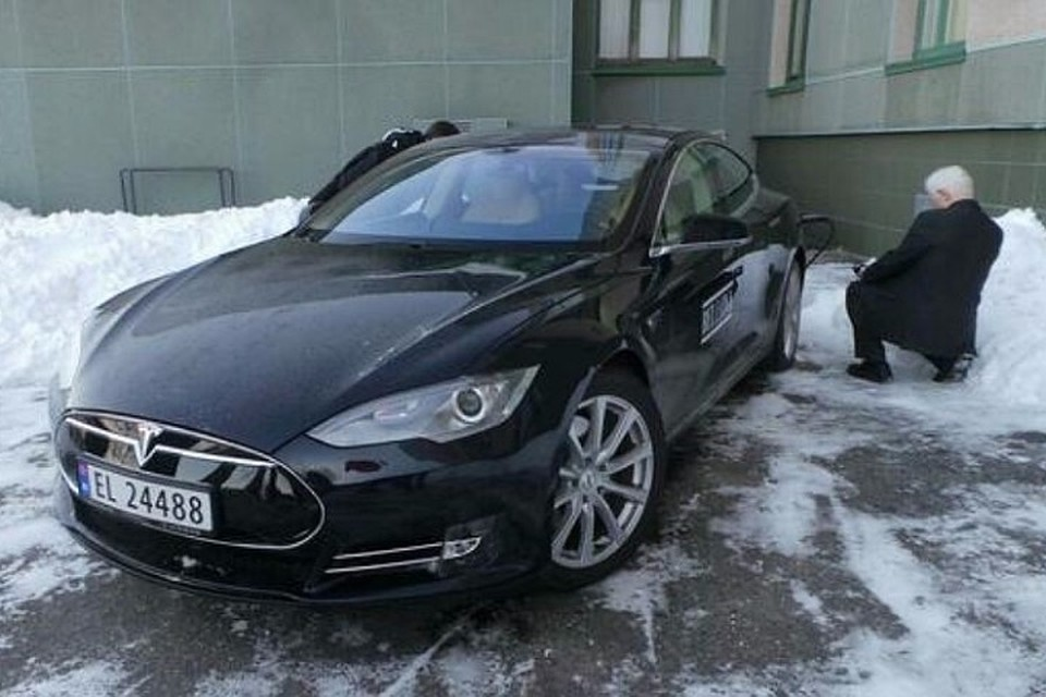 ВМурманске представят первую станцию зарядки для собственников электромобилей