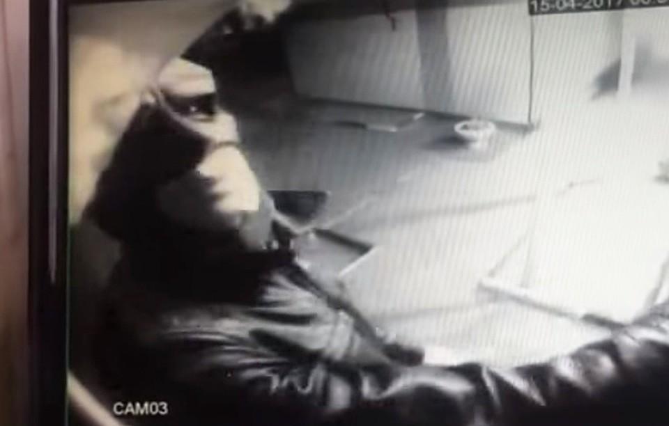 ВБатайске Бэтмен пытался ограбить терминал оплаты