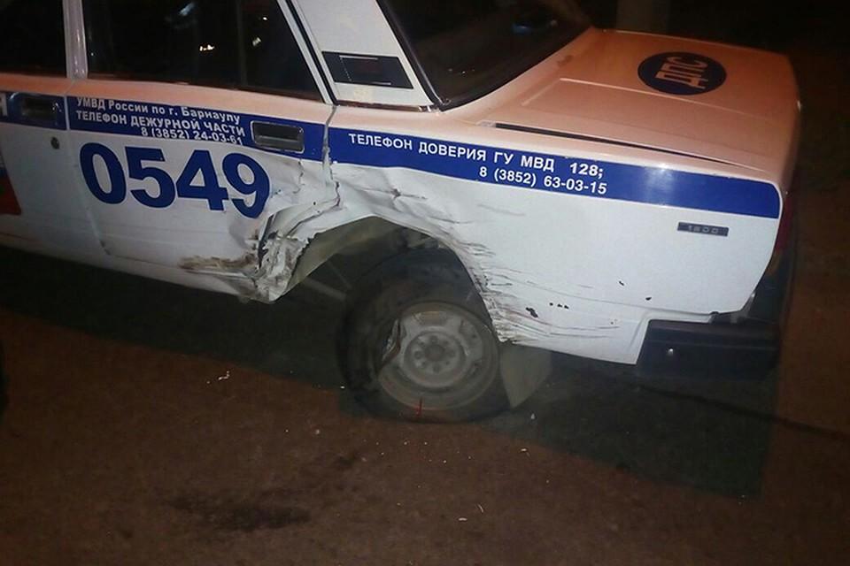 Пьяная автомобилистка врезалась вмашину ДПС вБарнауле