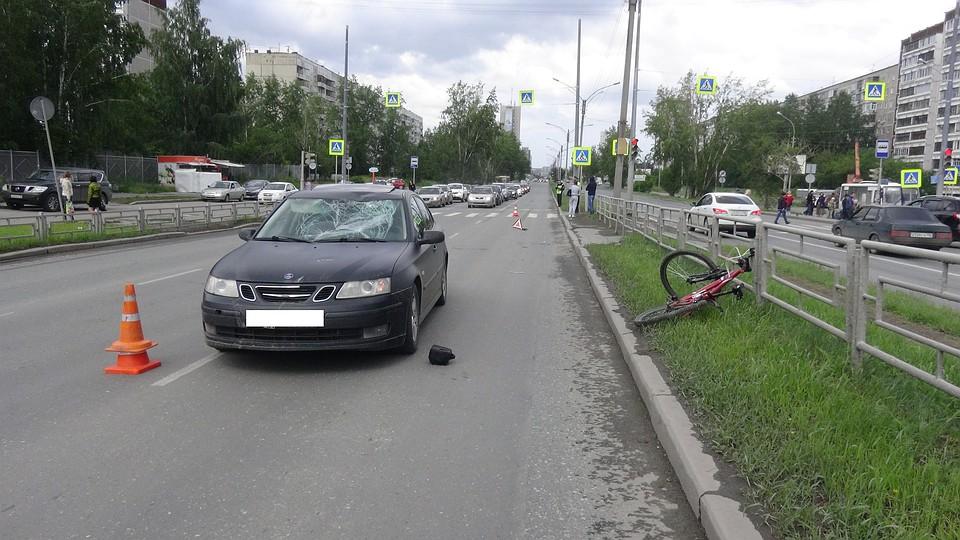 Велосипедист нарушил ПДД ипопал под колеса легковушки вЕкатеринбурге