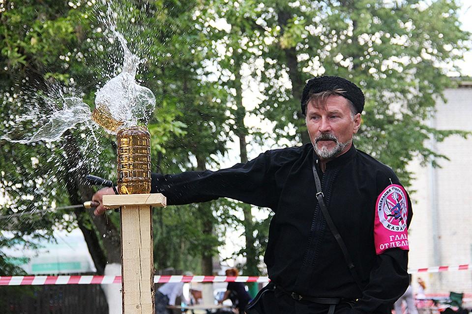 ВБрянске встретились казаки иказачки Центральной Российской Федерации и Республики Беларусь