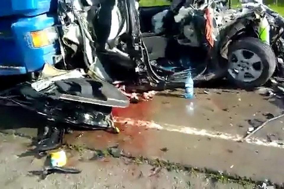 Вжутком ДТП под Новосибирском погибла 12-летняя девочка