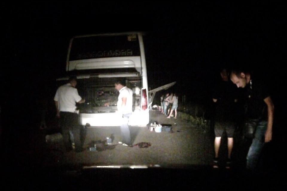 Пассажиры автобуса Пятигорск— Ялта час провели наобочине дороги «Кавказ»