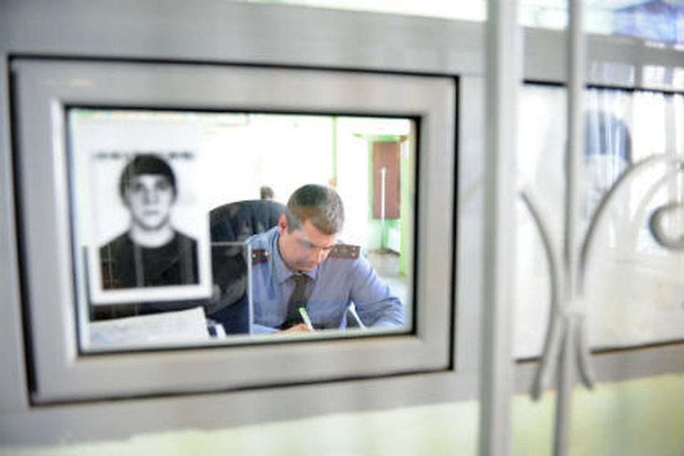 ВОмске школьницы отняли iPhone 7 у39-летнего мужчины