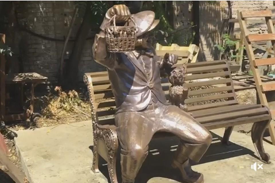ВРостове-на-Дону открыли монумент  клоуну Олегу Попову