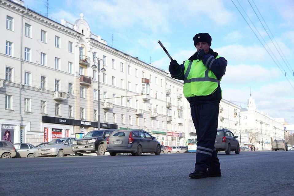 ВОмске ВАЗ сбил пешехода ипротаранил павильон