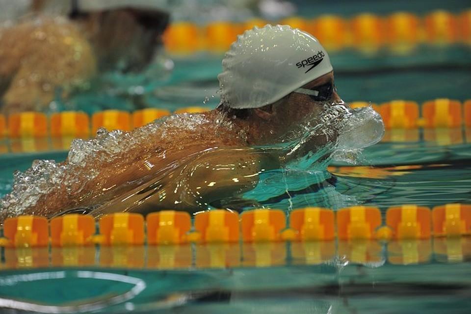 Красных одержал победу золото наэтапе Кубка мира поплаванию в столицеРФ