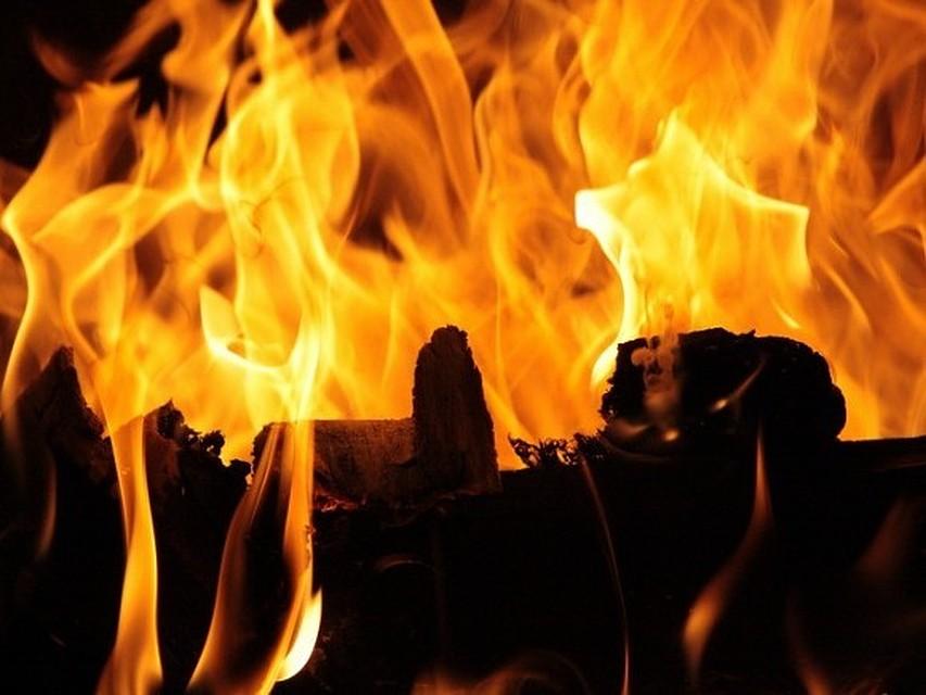 Родители 2-х погибших напожаре вКамбарке детей предстанут перед судом