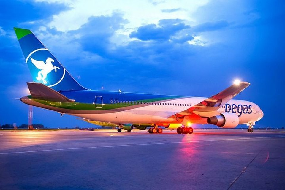 Рейс воВьетнам изНовосибирска отложили на13 часов— Лопнуло ветровое стекло