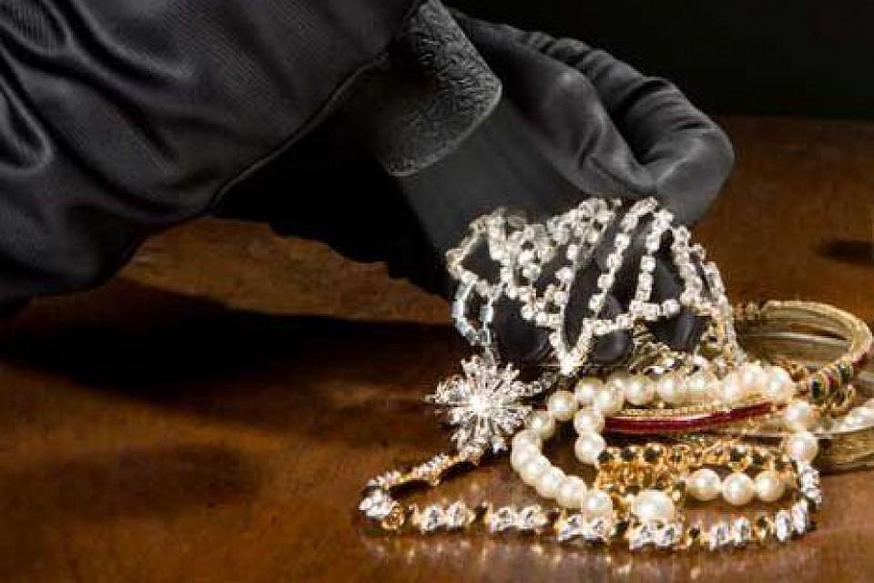 ВИжевске украли драгоценности на2,3 млн руб.