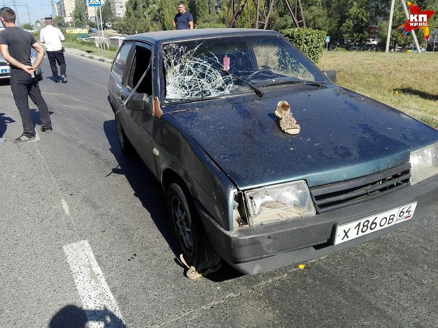 Наулице Тархова вЛенинском районе Саратова «ВАЗ» сбил 42-летнюю женщину