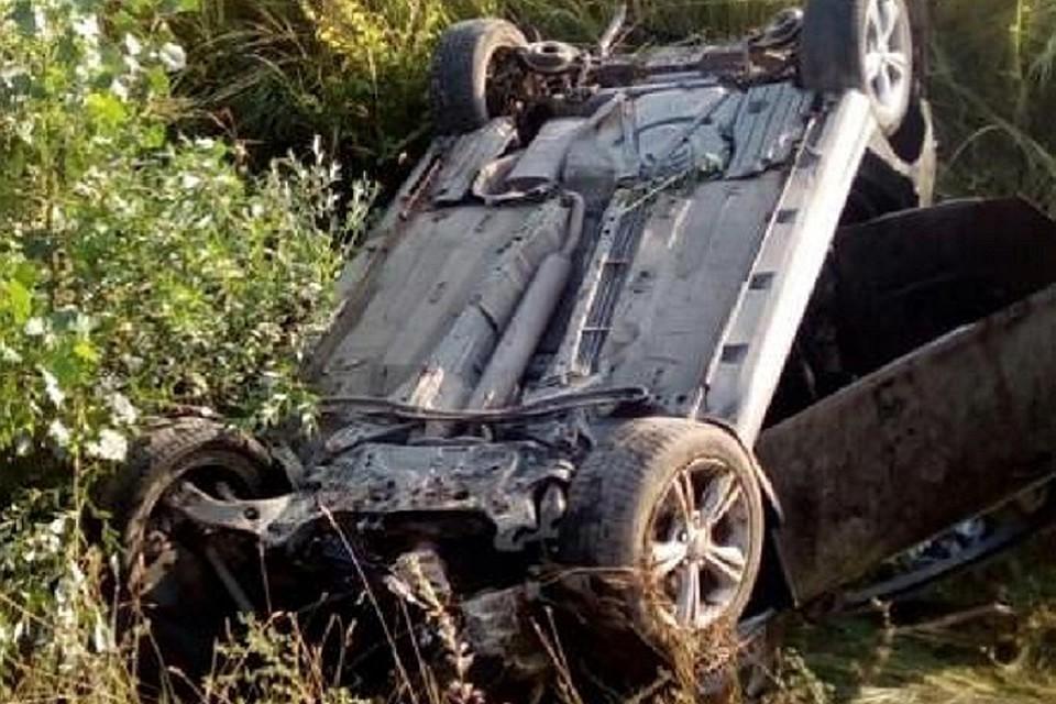 В итоге столкновения «семерки» иКАМАЗа умер человек наСтаврополье