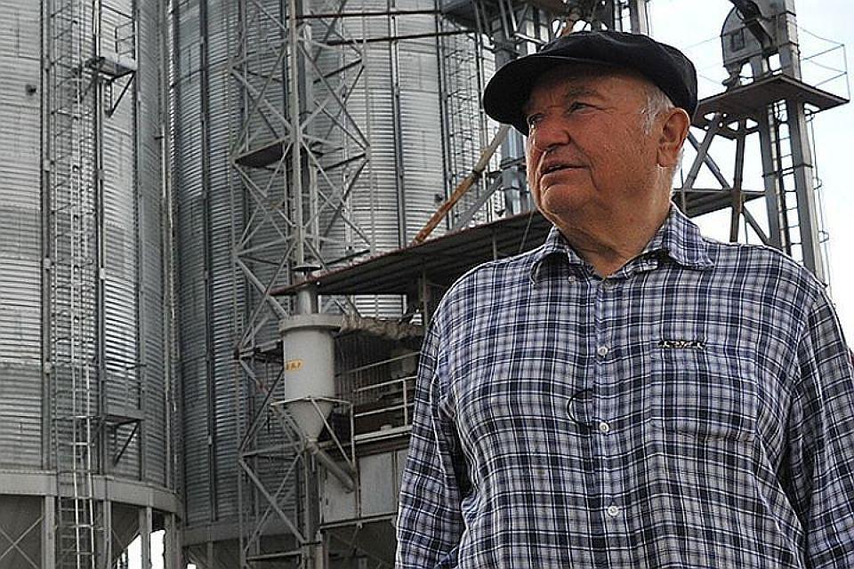 Лужков желает производить Калининградской области лекарства изгречихи