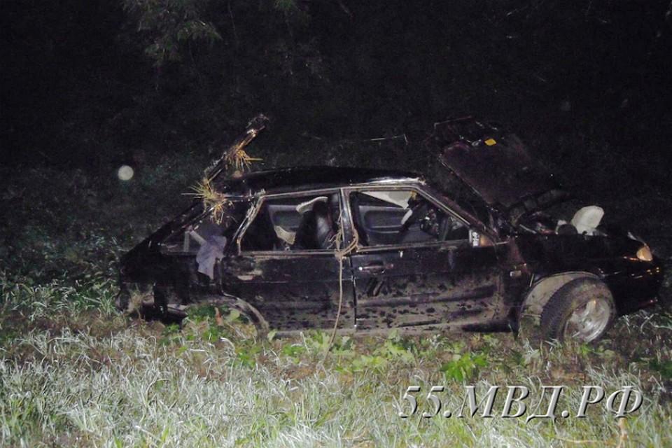 Под Омском ВАЗ улетел вкювет, шофёр умер