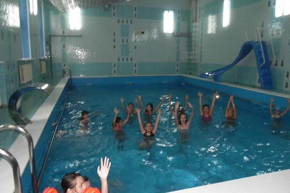 В школах из-за ЭВИ запретили пользоваться бассейнами