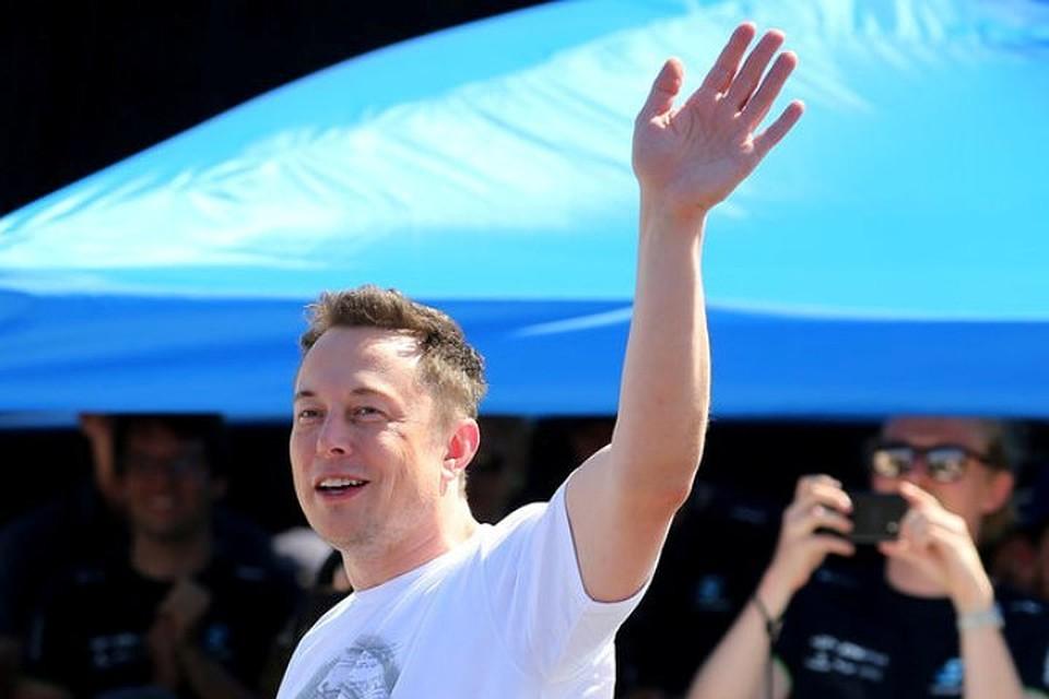 Tesla анонсировала дату презентации беспилотного грузового автомобиля и продемонстрировал
