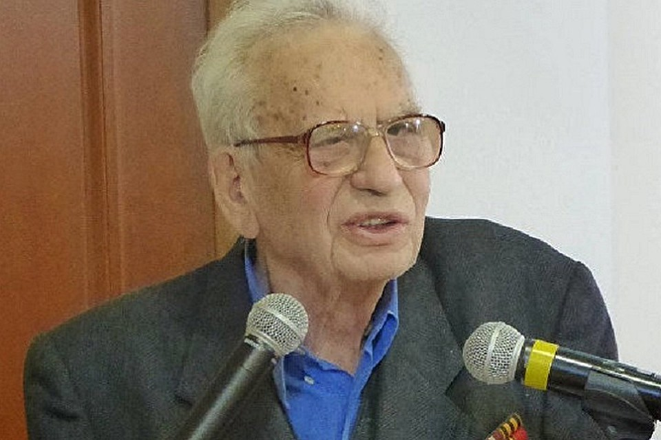 Умер российский историк-эллинист Григорий Арш