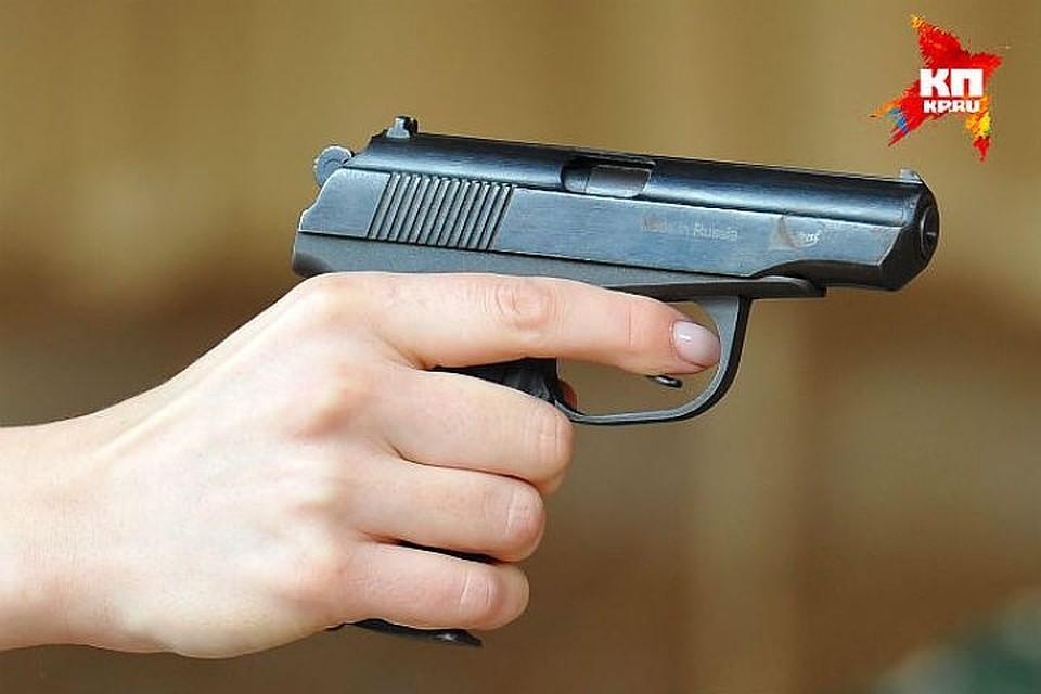 НаВасильевском острове клиент открыл стрельбу назаправке