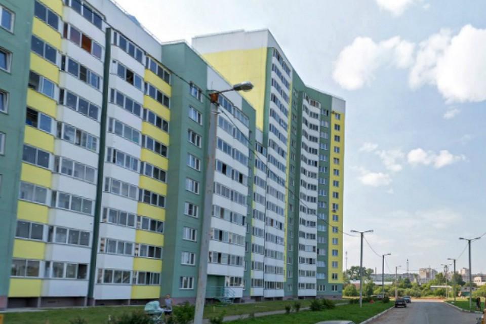 ВКирове разбился 5-летний парень, выпав с13-го этажа