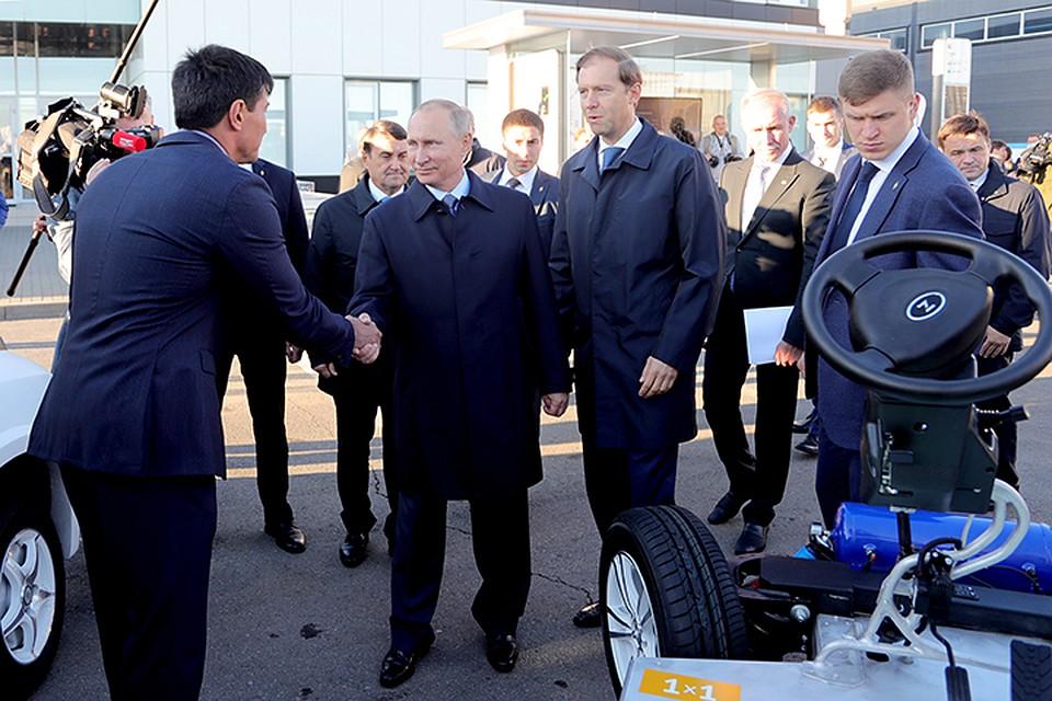 Путину показали электробусы, предназначенные для столицы