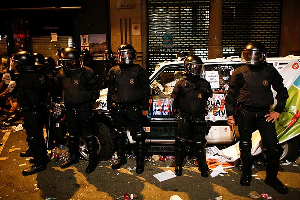 Власти Испании готовятся кбеспорядкам вКаталонии