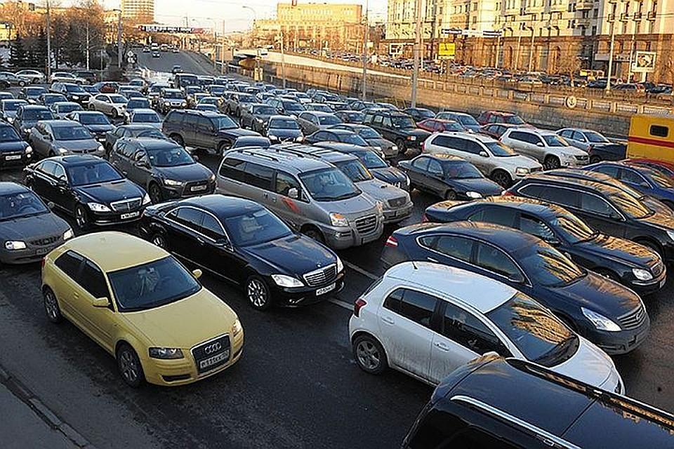 Москва не увеличит парковочные тарифы инесделает заезд вцентр платным