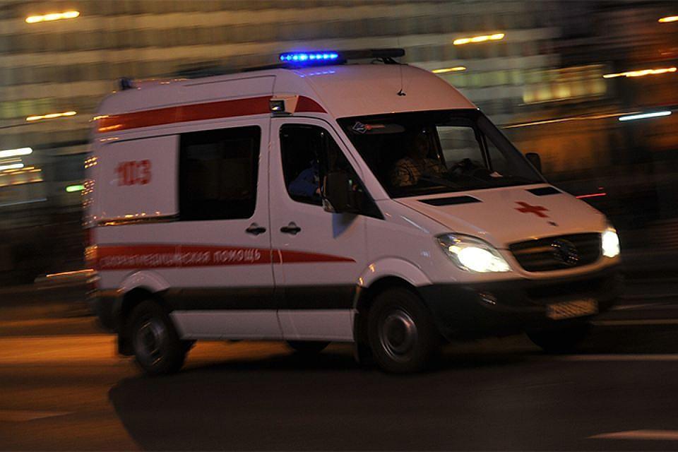 ВПетербурге при падении с16-го этажа умер мужчина