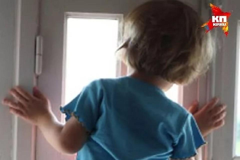 Ребенок 3-х  лет выпал изокна дома наСофьи Ковалевской
