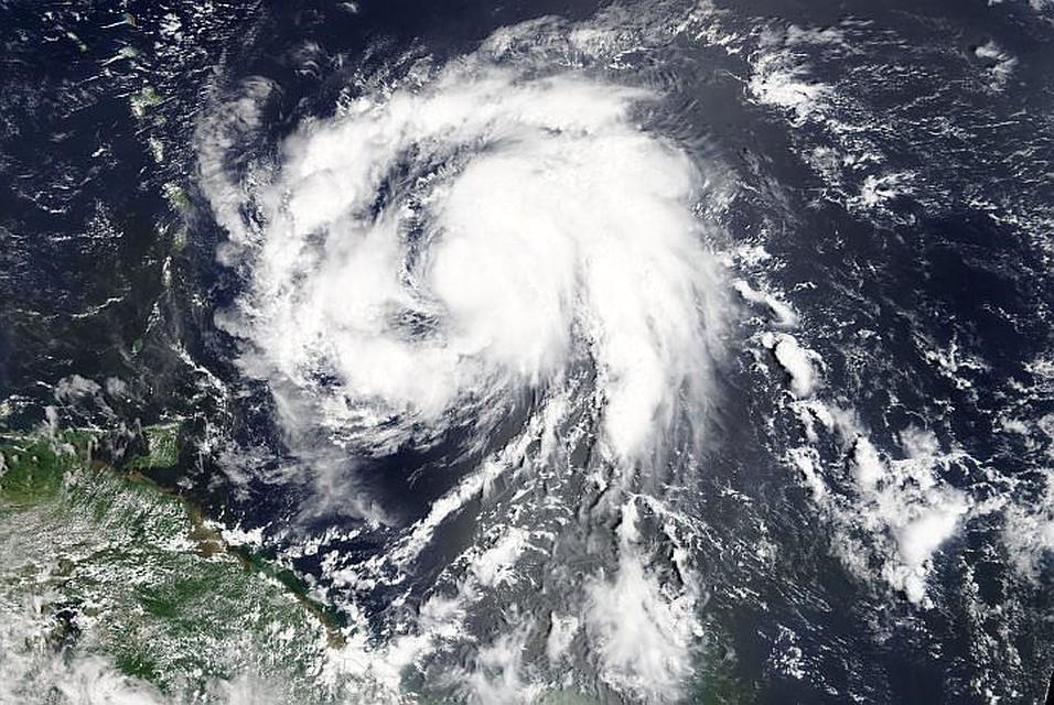 На Англию движется шторм «Офелия»