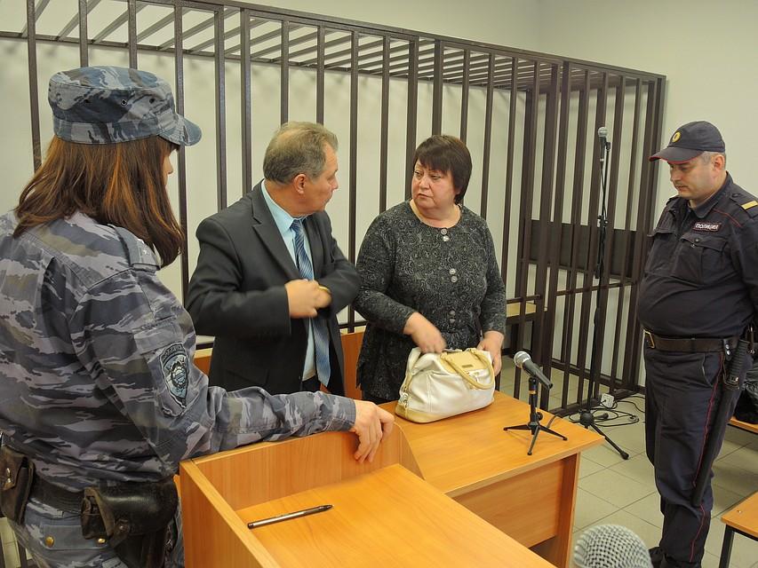 Экс-преподаватель ВлГУ получила 4 года колонии завзятки состудентов